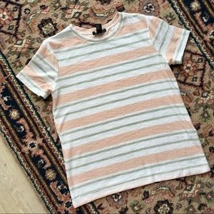 ☀️3 for $20 Forever 21 striped tee size small